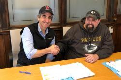 Photo: Mayor Miro Weinberger and AFSCME Local 1343 President Damion Gilbert.